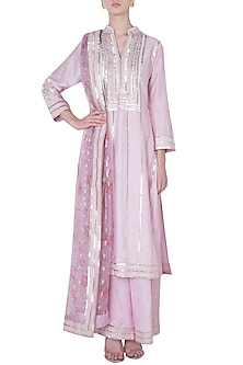 Pink embroidered kurta set by GOPI VAID