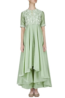Mint Green Shoulder Drape Thread Work Kurta Set by Jayanti Reddy