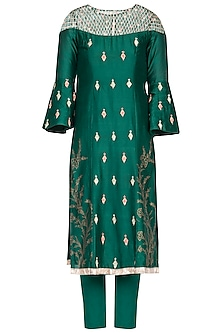 Emerald green embroidered kurta set