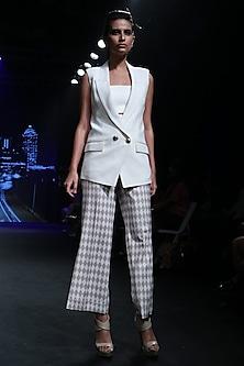 Off White Sleeveless Jacket by Karn Malhotra