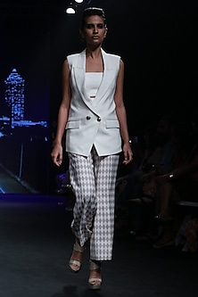 Off White Checkered Cropped Pants by Karn Malhotra