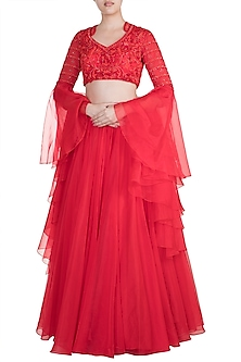 Red Embroidered Lehenga Set by Kehiaa by Kashmiraa