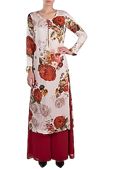 White printed rose long kurta with pants by Kehiaa by Kashmiraa