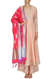 Rose Pink and Gold Queens Image Embroidered Dupatta