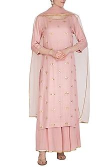 Soft Pink Hand Embroidered Kurta Set by Kudi Pataka Designs