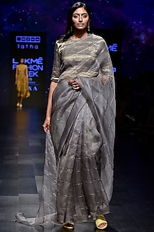 Grey Embellished Checks Saree Set