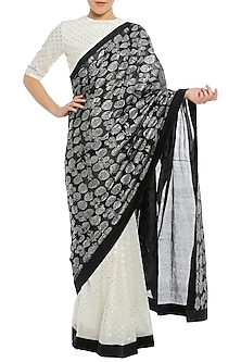 Silver Polka Pleated Saree with Blouse Piece