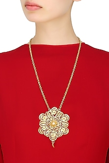 Gold Plated Pearls Studded Filigree Pendant Necklace