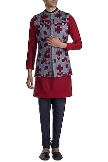 Grey Embroidered Bundi Jacket With Maroon Kurta & Navy Blue Churidaar Pants by Manish Malhotra Men
