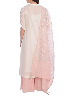 Ivory & Peach Hand Embroidered Kurta Set With Slip by Mandira Wirk