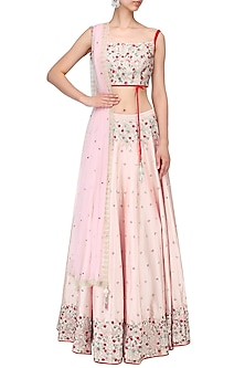 Powder pink embroidered lehenga set by Mani Bhatia