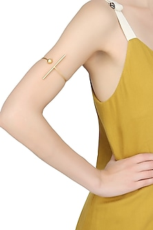 Gold plated bar and sphere ball open arm band