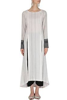 Black and White Textured Kurta and Dhoti Set by Megha & Jigar