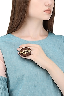 Gold Plated Leaf Like Pattern On Wood Ring