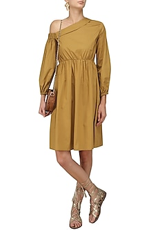 Mustard Collared Off Shoulder Retro Midi Dress by Manika Nanda