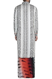 Ivory Charcoal Swords Kurta With Bleeding Tree Lungi by Masaba Men X GOT