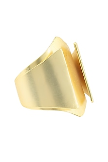 Gold plated Cordoba redondo ring by Malvika Vaswani