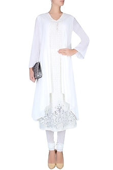 Ivory Double Layered Floral Embroidered Kurta Set by Mandira Wirk