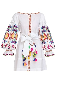 White Thread Embroidered Loose Dress