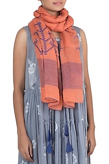 Orange embroidered jamdani stole by Myoho