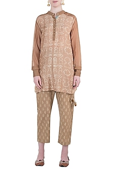 Beige printed pajama suit by Natasha J