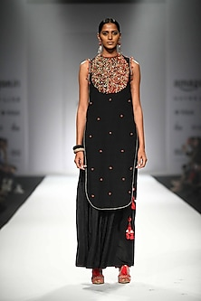 Black Embroidered Apple Cut Kurta with Black Gathered Sharara by Nikasha