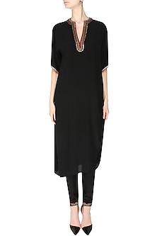 Black Embroidered Rouch Kurta Set by Nikasha