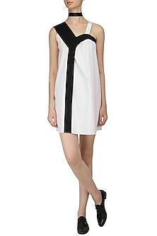 White and Black Color Block Shift Dress by Olio