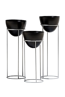 Ovate Black And Silver Planters- Set Of 3 by The Decor Remedy