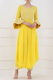 Pastel Yellow Embroidered High-Low Kurta with Pants by Priya Agarwal