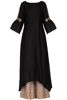 Black embroidered kurta with pants by POULI