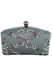 Dull silver embroidered sling clutch bag by PRACCESSORII