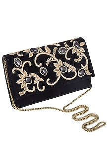 Black embroidered flap over clutch bag by PRACCESSORII