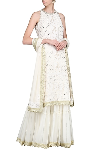 Ivory Lucknowi Embroidered Kurta with Skirt and Dupatta by Priyanka Jain