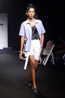 White Knotted Tie Up Shorts by QUO