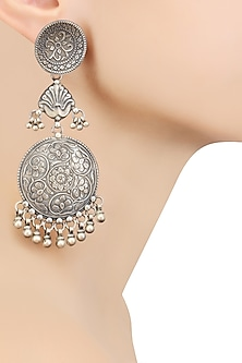 Silver Round Patra Earrings