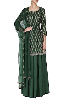 Bottle green embroidered kurta with lehenga set by Ridhi Arora