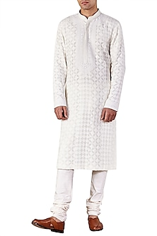 Ivory Lucknawi Embroidered Kurta by Ridhi Mehra