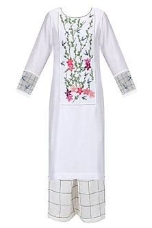 White Floral Embroidered Kurta and Palazzo Pants Set by Ruhmahsa