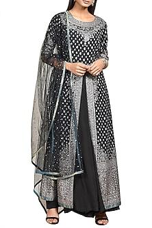 Black Embroidered Kurta Set by Ri Ritu Kumar