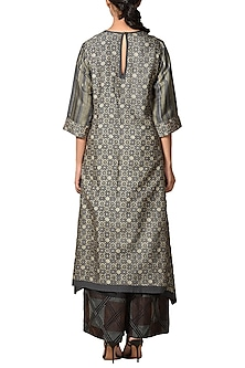 Charcoal & Grey Embroidered Kurta by Ritu Kumar