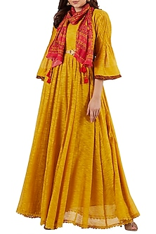 Yellow Kurta With Coral Scarf & Gold Belt by Ritu Kumar
