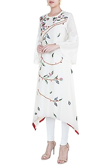 Off White Embroidered High Low Kurta by Samant Chauhan