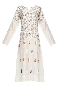 Off White Thread Embroidered Kurta by Samant Chauhan