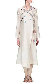 Off White Embroidered Angrakha Kurta by Samant Chauhan