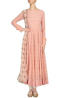 Pink Leaf Embroidered Anarkali Kurta Set by Shalini Dokania