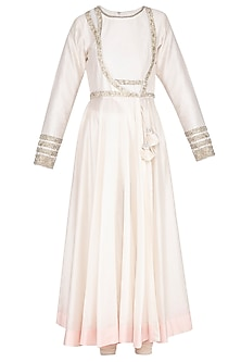 Ivory Embroidered Kurta Set by Shilpi Gupta Surkhab