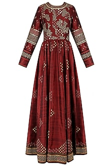 Maroon Embroidered Valley Of Flowers Tunic