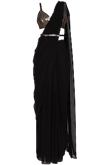Black Embroidered Saree Set With Belt by Sheena Singh