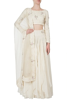 Ivory embroidered lehenga set by Shreya Jalan Mehta
